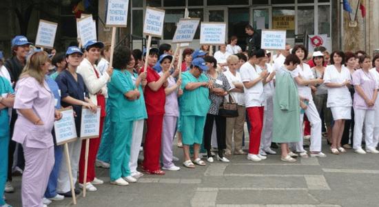 Protest al medicilor: Cardul de sanatate , in moarte clinica!